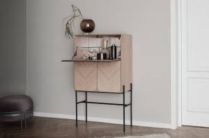 Luxe drinks cabinet - oiled oak Bolia